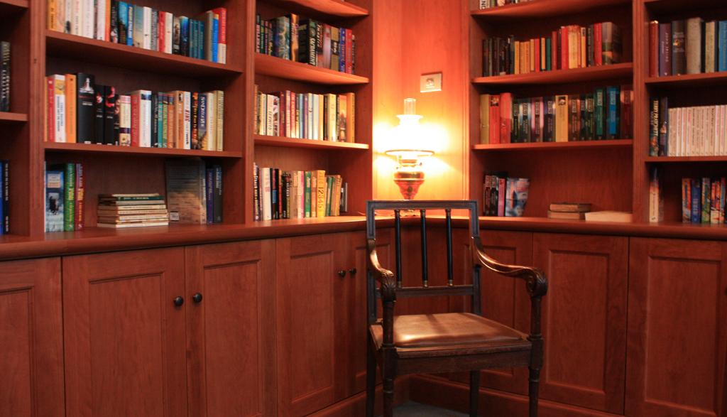 Bibliotheekkast in Kerselaar | Meubelmakerij Ceulemans Lier